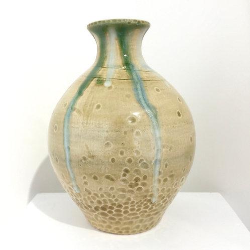 Ochre shell pot