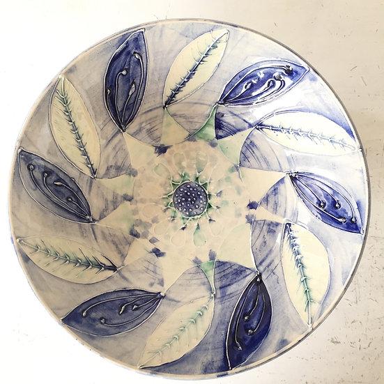 Blue leaf decorative bowl