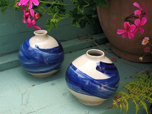 Wavelength stoneware pot