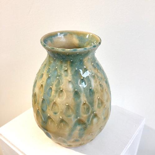 Shell textured vase