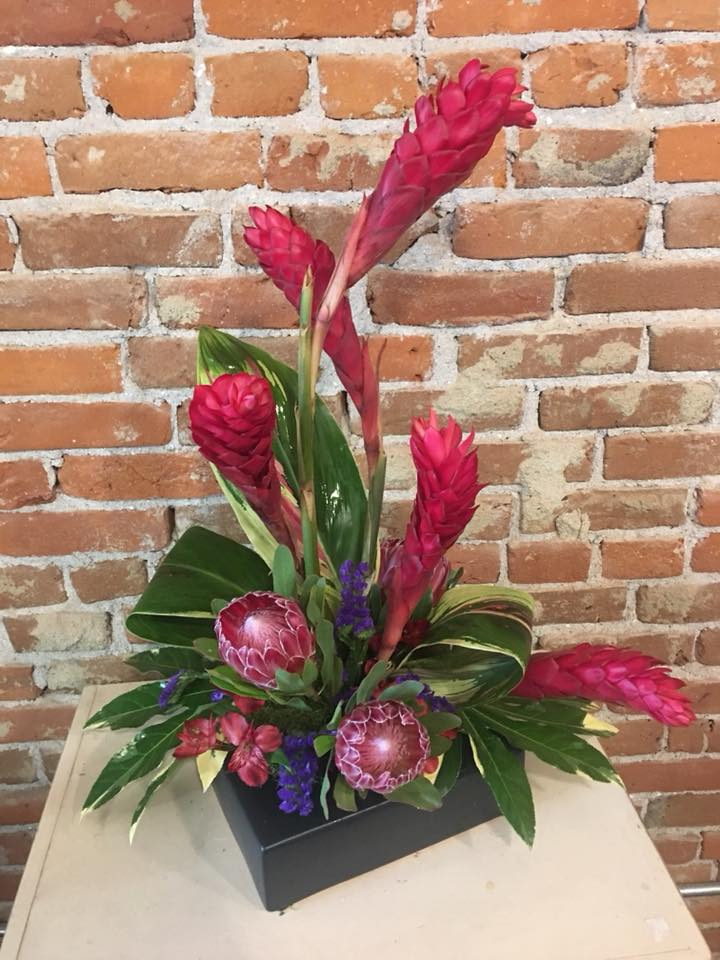 SimplyBlooming_high style arrangement