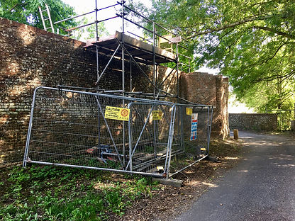 ID 299a Repairing the tudor wall of the