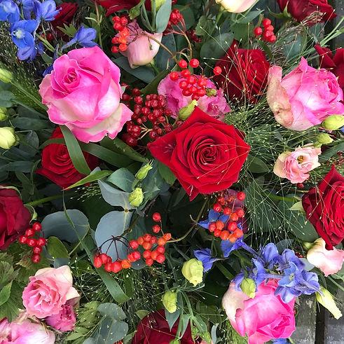 Bont met rode rozen (detail)