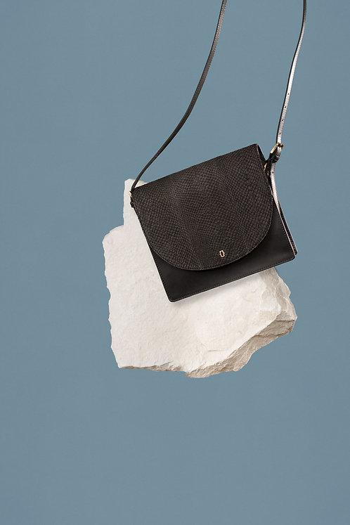 Ms. Bay - Sassy satchel