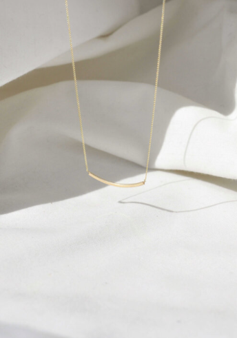 WILD FAWN - delicate curve necklace gold
