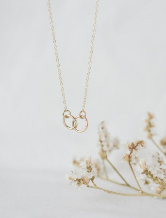 WILD FAWN - connected circle necklace gold