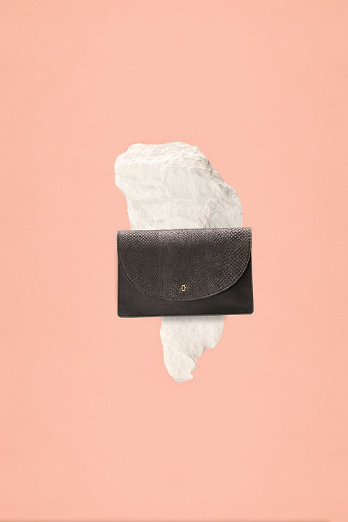 Ms. Bay - Clever clutch