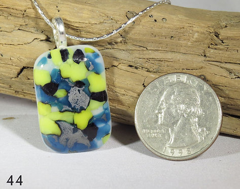 Medium Spots Glass Rectangle Necklace