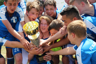 FC Blau-Weiß U15 holt Triple