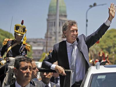 Los precios de los bonos argentinos en dólares reflejan el temor a un default