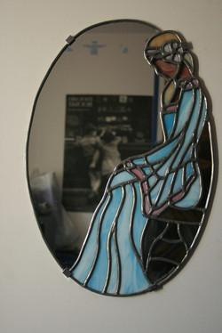 miroir femme assise