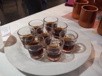 Inédit :  Un tour du monde du café avec notre taxi-brousse ...