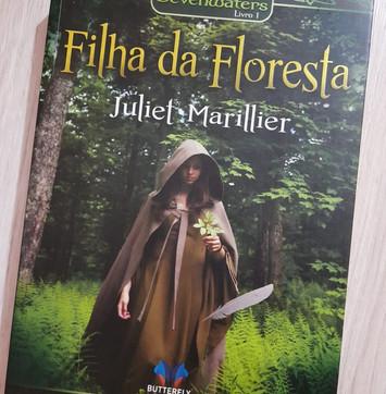 #3 Resenha: Filha da Floresta