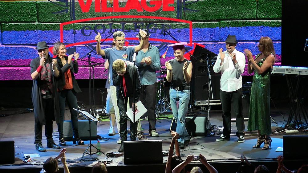 Aladdin Insane David Bowie Tribute, Aladdin Insane Tributo a David Bowie