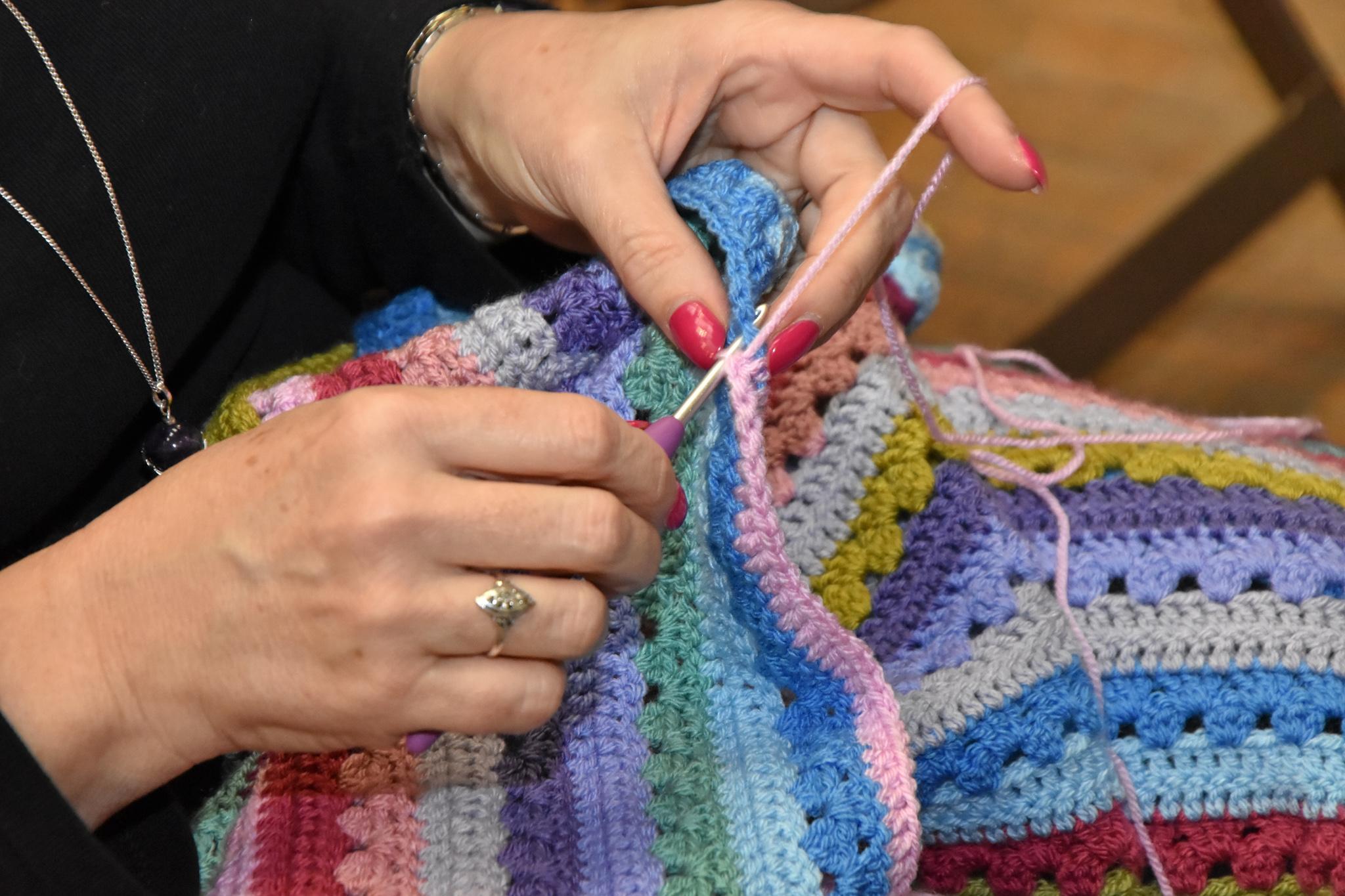 Slow Fashion Day Time - knitting
