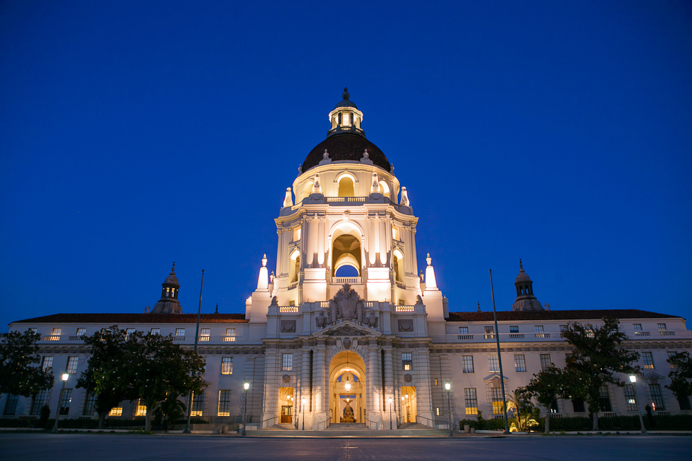 Pasadena_City_Hall_at_dusk