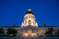 Pasadena_City_Hall_at_dusk