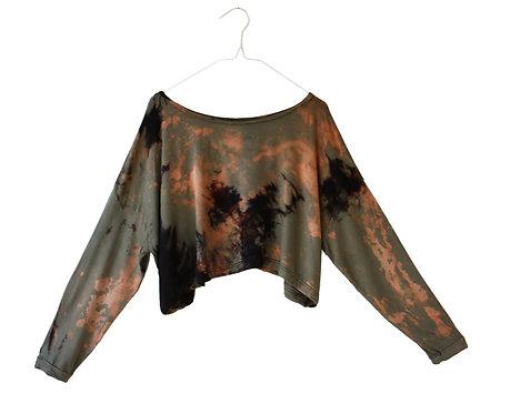 Oversized sleeved cropped top, crop tshirt, t-shirt, slouchy yoga wear, yogawear, yoga clothing, tie dye shibori, Khaki green