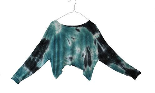Slouchy oversized crop top.  cropped, Hand loose, tie dye.  Yoga, yogawear, sportswear, shibori, athleisure. teal blue, black