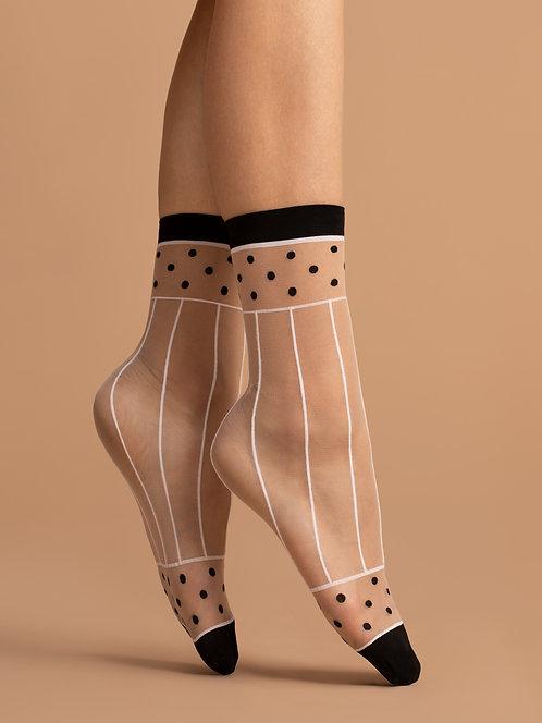 Sheer ankle socks, whit black, beige, striped, patterned, kawaii, cute, style, modern, 80s, 80's, 1980's, eighties, spot, dot