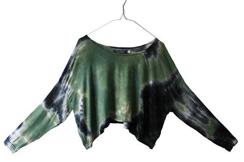 Slouchy oversized crop top.  cropped, Hand loose, tie dye.  Yoga, yogawear, sportswear, shibori, athleisure. green, black