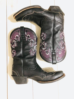 Pre-Loved Ariat Boots Size: 10B