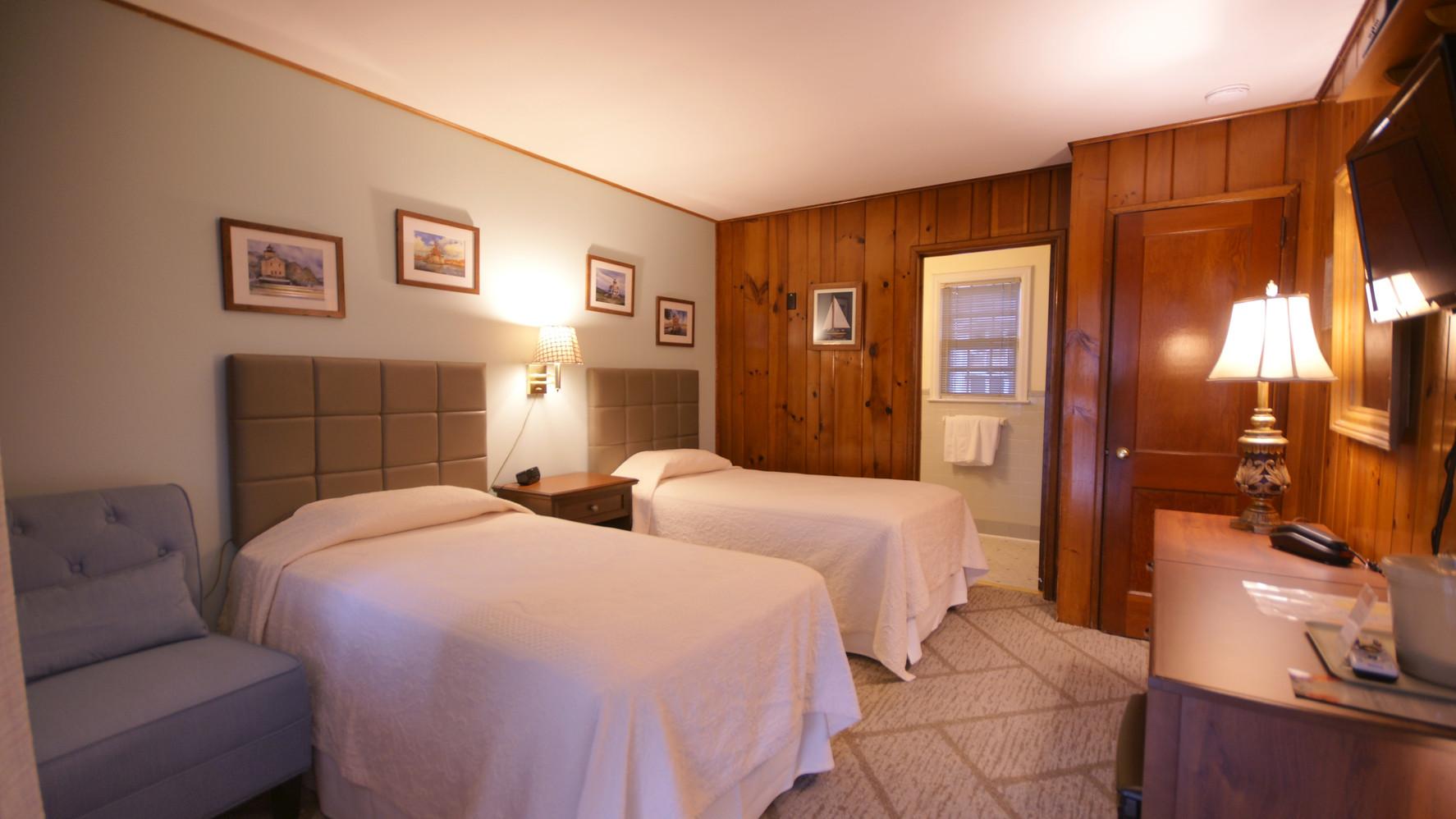 Rustic 2 Twin beds, Ground floor