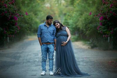Maternity Photograph II Priyanka Modh Photography
