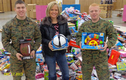 tina+and+toys+for+tots.JPG