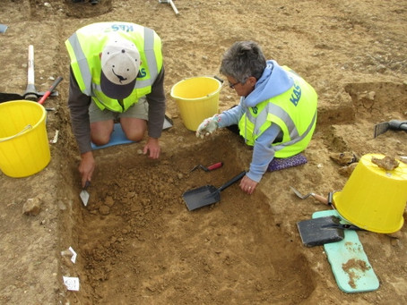 FRAG Members onsite at KAS Lees Court Dig