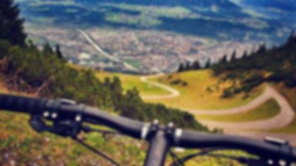 mountain-biking-1268276_1920.jpg