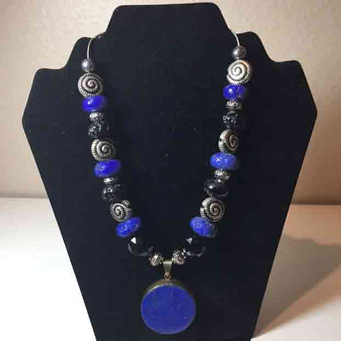 "20"" Sterling and Lapis Pendant with Silver Snails on silver strand"