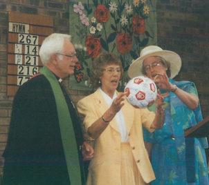 Ron Lorna Forest football 1998.jpg