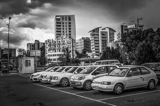 parking-lot-3339509_1920.jpg