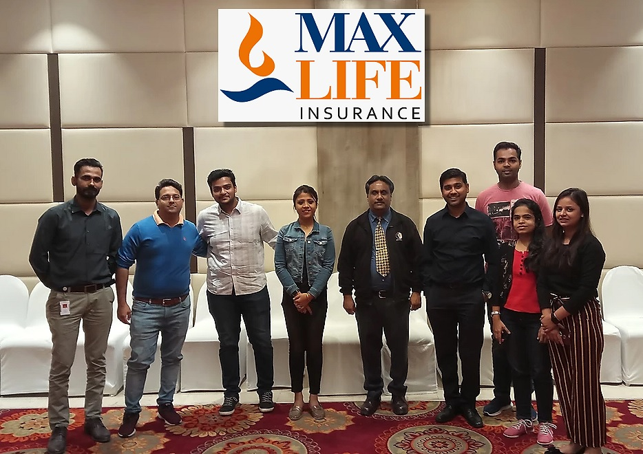 Group_Photo_Max_life_Insurance