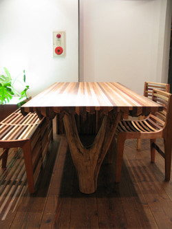 Y TABLE / wedge