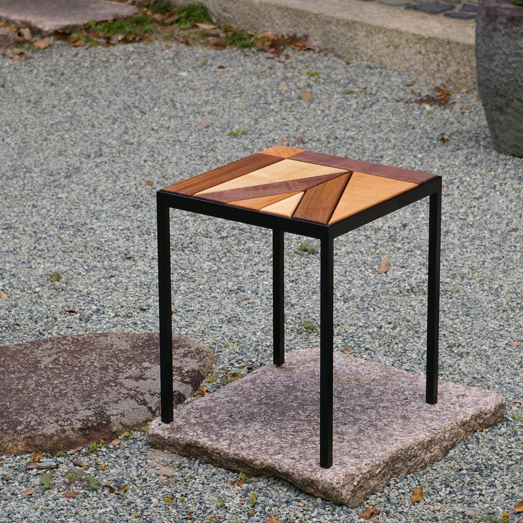 MOSAIC STOOL / wedge