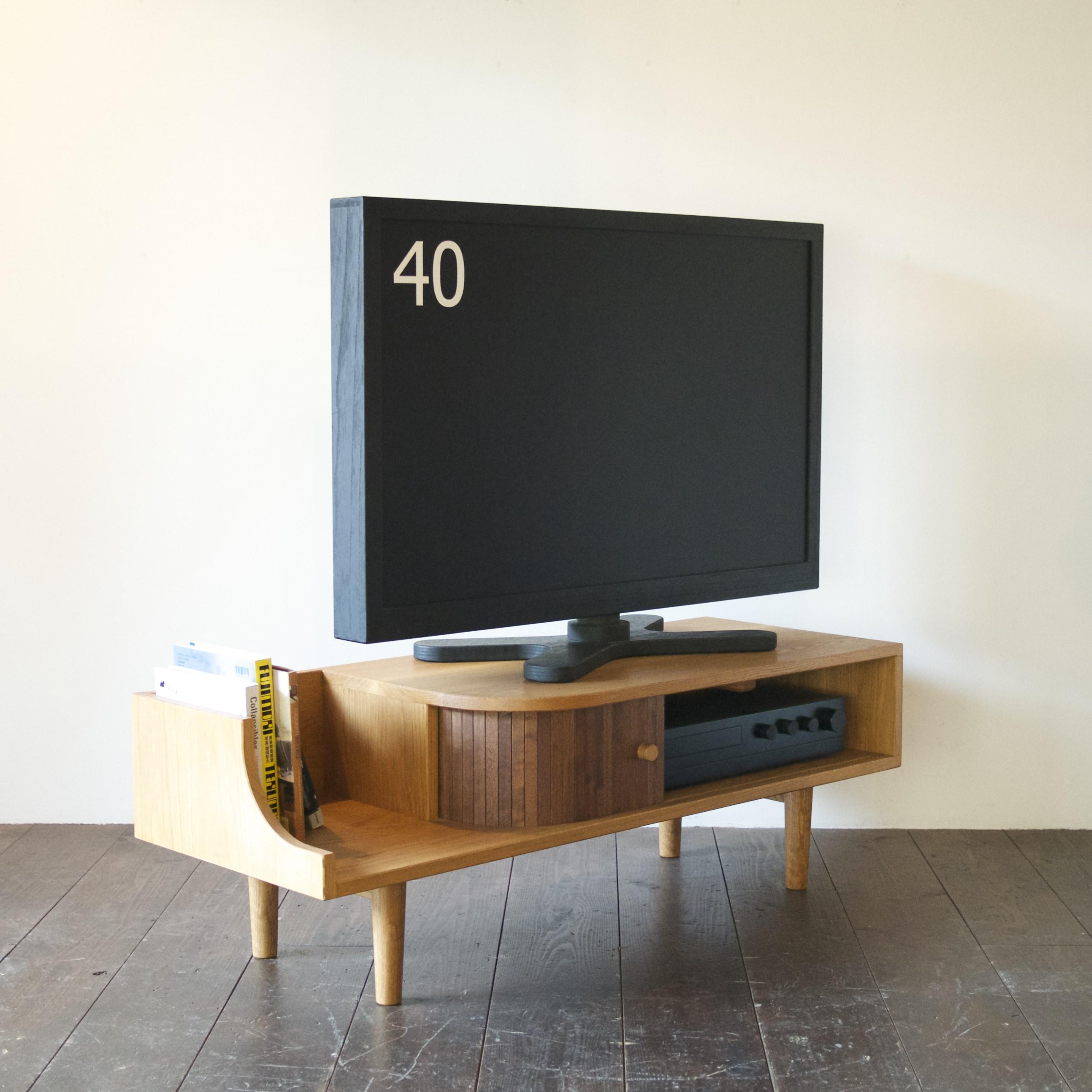 TAMBOUR TV BOARD / wedge