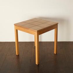 GRID TABLE / wedge