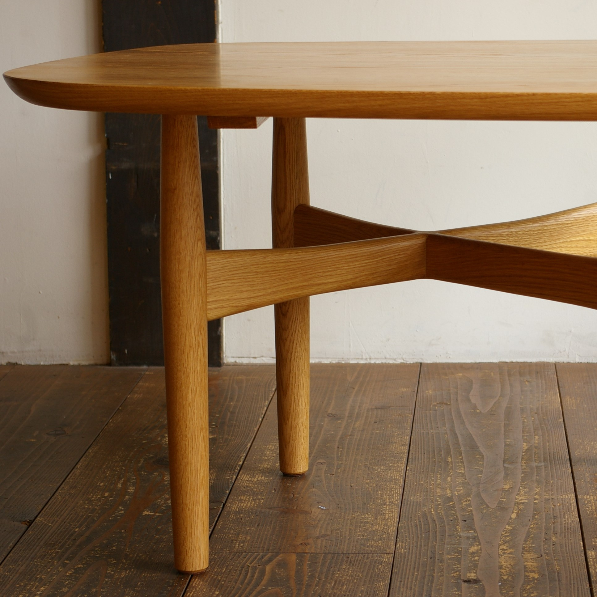 LOW TABLE / wedge