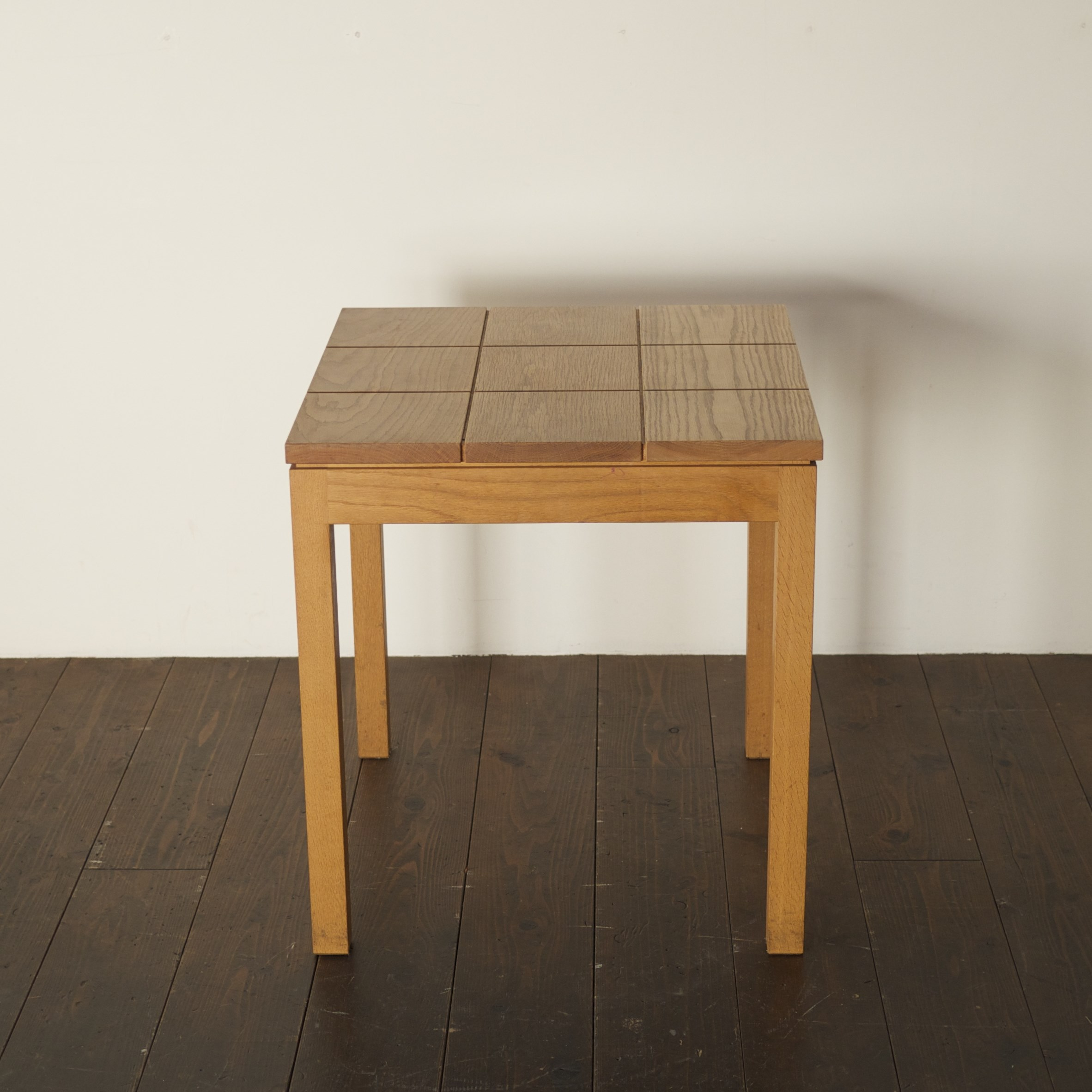 GRID TABLE / wedge