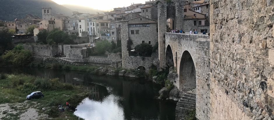 Article under construccion :) La Garrotxa : Medieval villages, volcanoes and hiking (3 days)