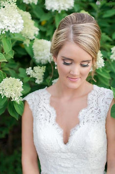 Hire the best wedding makeup artist in Columbus, Ohio