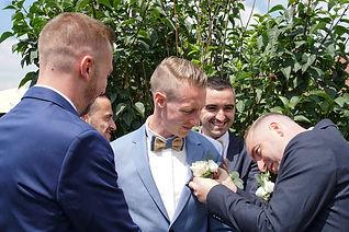 marié et ses témoins
