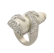 Tooth and claw ring, 2 carats