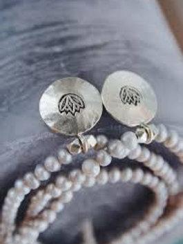 Armband doppelt mit Perlen und  Silber Lotus Anhänger