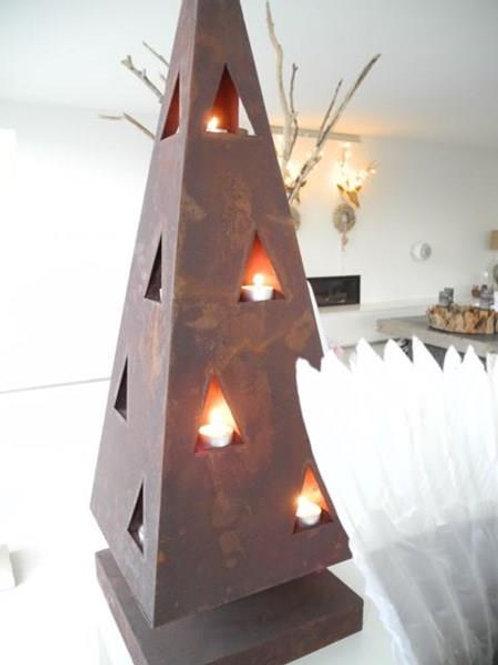 Weihnachtspyramide in Rost