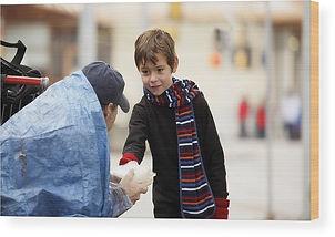 child-giving-homeless-man-food-design-pi