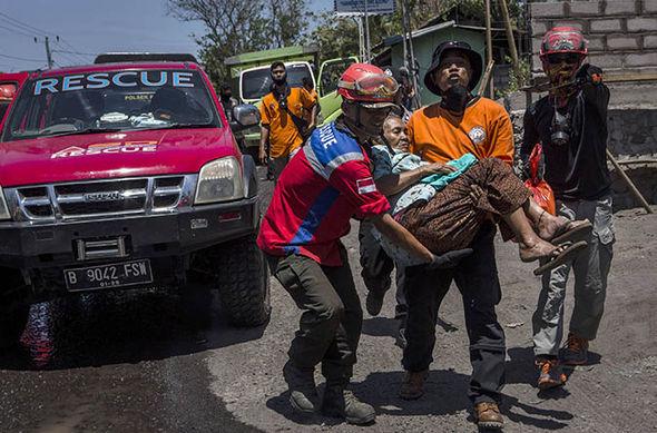 Bali-Volcano-indonesia-evacuations-1078652 – kopio (2)