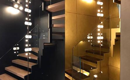 Decoration cage d'escalier avant-après C